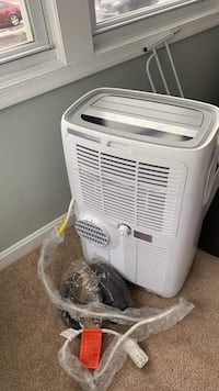 white window type air conditioner New Carrollton, 20784