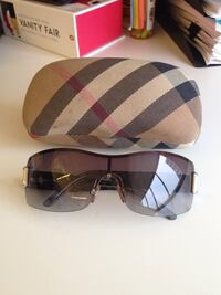 Authentic Burberry Sunglasses Bellflower, 90706