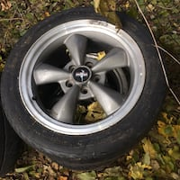 grey Ford Mustang 5-spoke vehicle wheel and tire 593 km