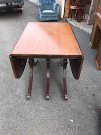 Antique claw foot table & chair set