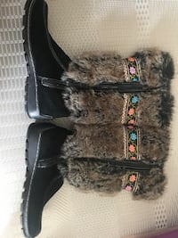 Ladies INUK winter boot- size 9
