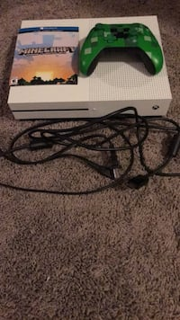 Xbox one s with controller Edmonton, T5Z