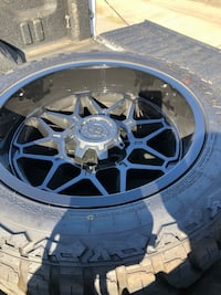 "Came off my 99 dodge 2500 diesel, 8 Lug 20"" wheels Rio Linda, 95673"