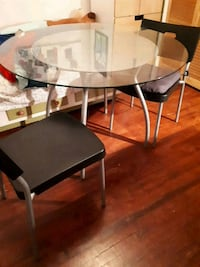 Table Ikea+4chaises Montreal, H1X 2W3