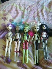 5 Monster High dolls missing outfits Waterloo, 46793