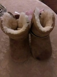 Baby Ugg boots  size 4.5 Virginia Beach, 23452