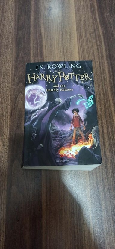 Harry Potter and the Deathly Hallows 7fca2395-b12a-422d-ab77-b72391ddd582