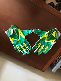 Football Gloves-Large  Laurel, 20723