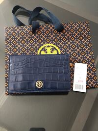 New with Tag Tory Burch wallet Navy Milton