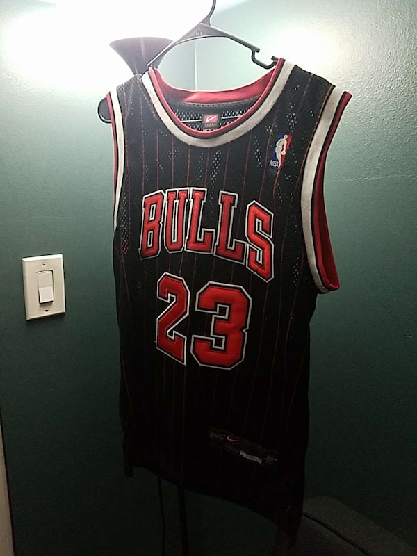 a3f4aa26f47a2c Used black and red Chicago Bulls number 23 basketball j for sale in Tamarac  - letgo