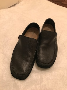 Like New Men's Size 10 Hush Puppies leather loafers