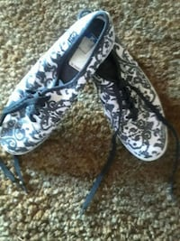 Black and white floral tennis shoes Lompoc, 93436
