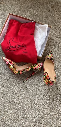 Christian Louboutin So Kate Patent Granite Sz 39.5  fits Size 8 Laurel, 20707