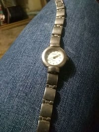 round silver-colored analog watch with link bracelet Wichita, 67203