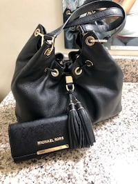 """** """"MICHEAL KORS"""" Authentic Purse Sold as a set with Trifold Wallet**"""