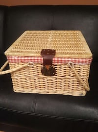 Antique picnic basket Edmonton, T5G 1Z6