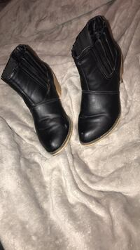 black little boots Bakersfield, 93307