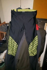 UnderArmour Stretchy/Spandex Style Pants