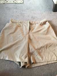 Men's Size Large Shorts Size 20 W(40)Size Large Hanover, N4N 2Y5