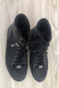 Guess high tops womens size 7.5 Lancaster, 93536