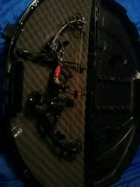 Cusrom PSE Compound Bow  320ft per sec Canaan, 04924
