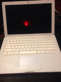MacBook A1181 no battery or charger 3716 km
