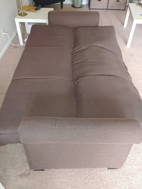 Couch for Anyone in Need 629ff398-e6bf-4579-a652-ac40ef38e1d4