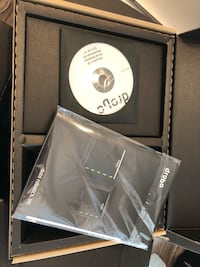 4bay Drobo DRO4D-D + 2 hard drives (in original box with all the documents) Vancouver, V6M