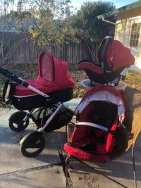 Britax B-Safe Car Infant seat, 2 bases, bassinet and B-Ready Stroller. Manufactured in 2013. Very good stroller