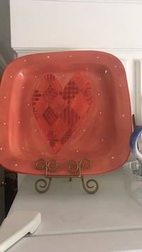 Beautiful Heart detailed serving platter. new haven New Haven, 06512