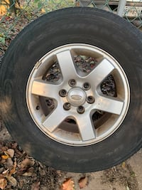 "2008 Ford 6 lug 17"" Tire/Wheel pkg."