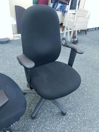 BLACK DESK chairs (( $50 each )) Bel Air, 21014