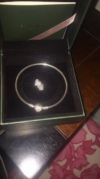Brand new pandora and matching earrings  Toronto, M9N 2H6