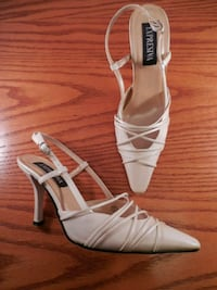 New Expresiva ladies shoes size 7 Toronto, M6L 1A4