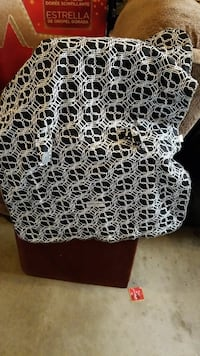 Car seat cover -- gently used Severn, 21144