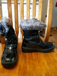 Youth girls winter boots St. Catharines, L2M 4R6