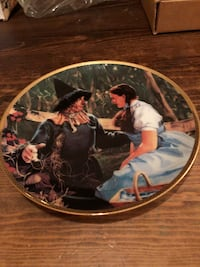 Wizard of oz decorative plate home decor Georgetown, L7G 6M7