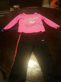 Skechers outfit size 2t Moreno Valley, 92557