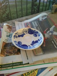 white and blue ceramic plate
