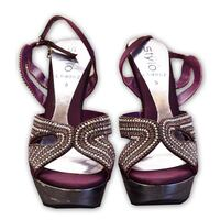 Preowned sandals in very good condition Toronto, M4H 1L2