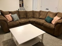 Practically new sectional couch Decatur, 30034