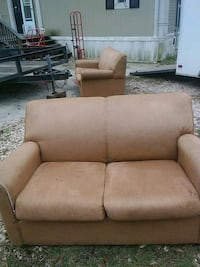 Two loveseat/twin bed pullout Denham Springs, 70706