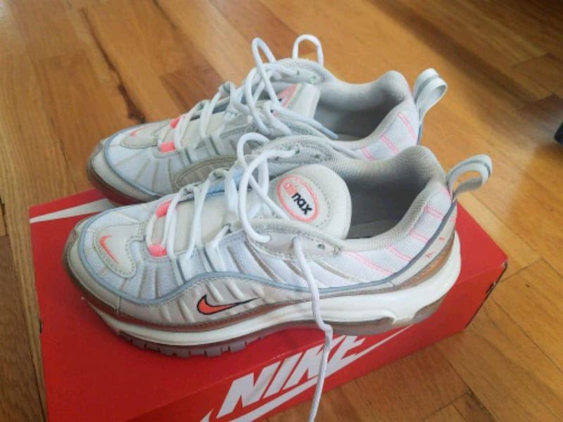 Sold Nike Air Max 98 Women S Size 7 In Jersey City Letgo