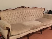 Sofa in excellent condition  Toronto, M5V 0H8