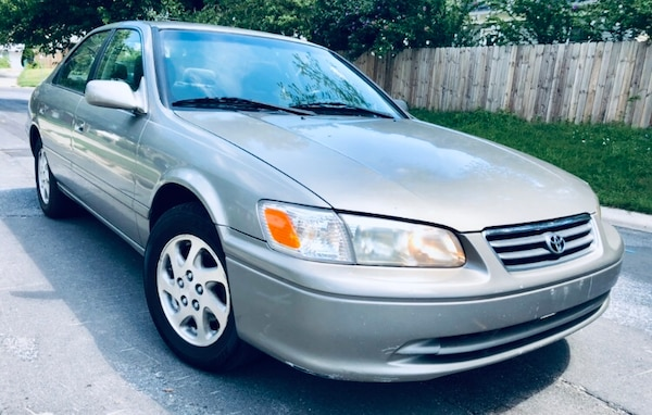 Classic body style 2000 Toyota Camry