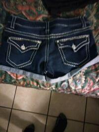 black and green denim shorts 2184 mi