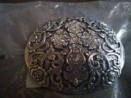 Woman's belt buckle