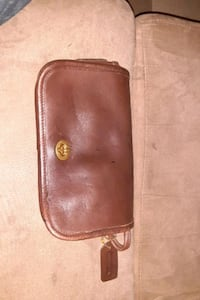 Vintage coach Brown Leather Dinky crossbody bag