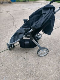 Britax B-safe 35 elite travel system with 2 bases Massillon, 44646