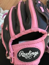 pink and black Rawlings baseball mitt Mount Pleasant, 10532